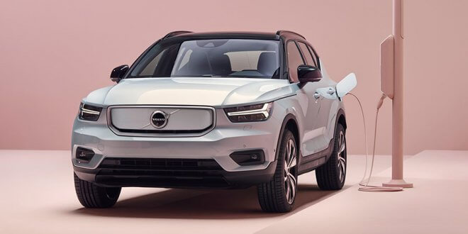 """וולוו מצגיה את הרכב החשמלי הראשון שלה והוא רכב כביש שטח. וולוו XC40 עם 408 כ""""ס מגיע לשווקים בתחילת 2020. צילום: וולוו"""